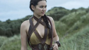 Knives Out 2 Adds Matrix 4's Jessica Henwick To Ensemble Cast